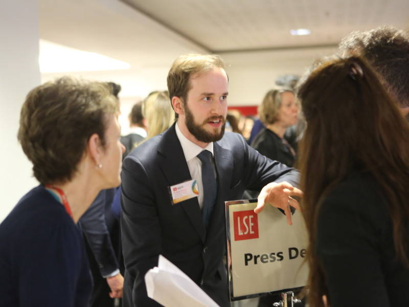 LSE_Election_Night_6850_800x600_4-3_sRGBe