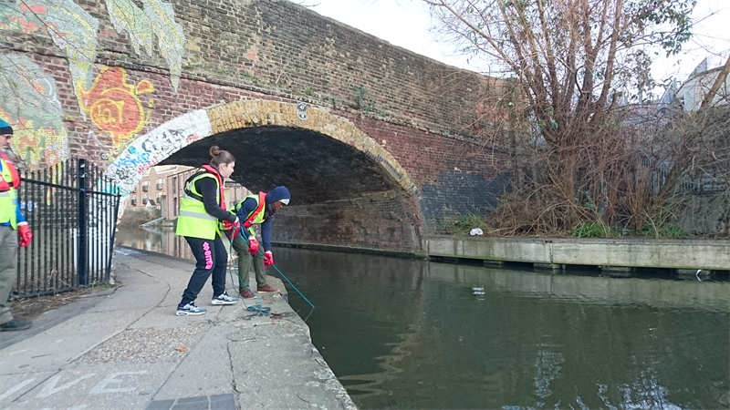 Volunteers Cleaning Canal Rope