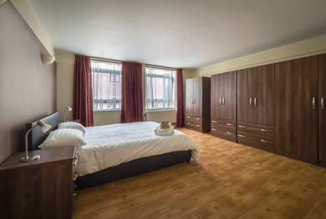 476x320 Bw Three Bedroom Apartment Bedroom1